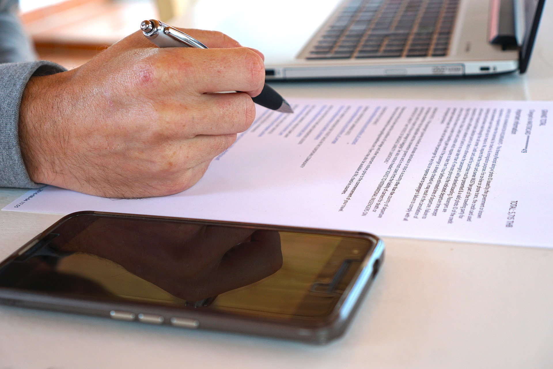 The Real Estate Contract: What is the earnest money deposit and how much should it be?