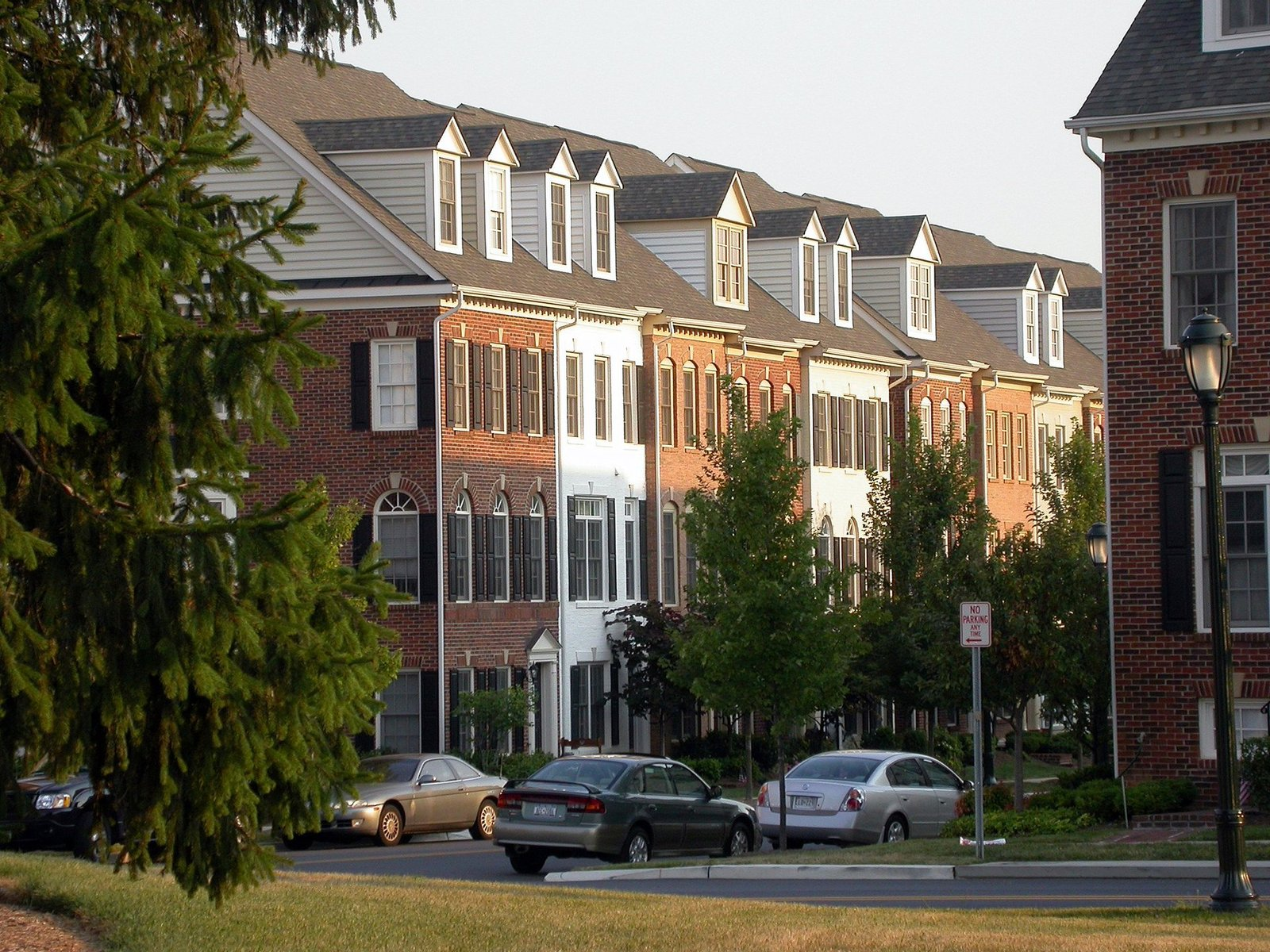 Downsizing? Attractive Townhouse Communities in Gainesville and Haymarket, VA