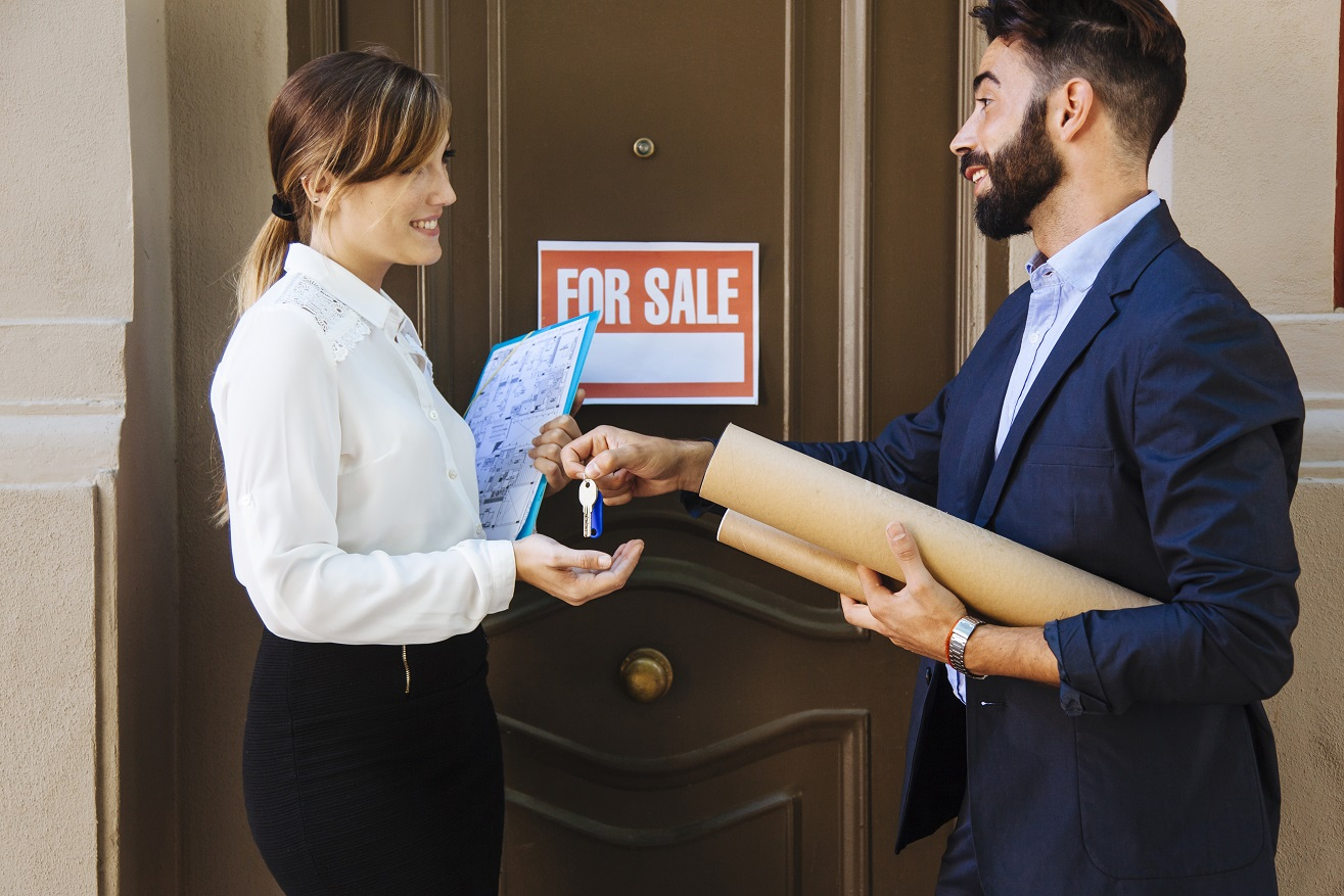 What Is a Selling Agent and What Can They Do for You?